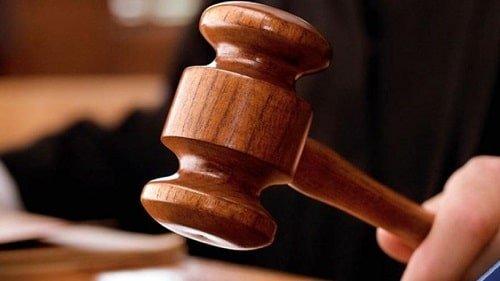 بزه تظاهر به عمل وکالت آرش علیزاده نیری وکیل پایه یک دادگستری